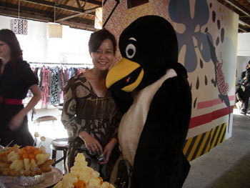 Miura-sanandthepenguin.jpg