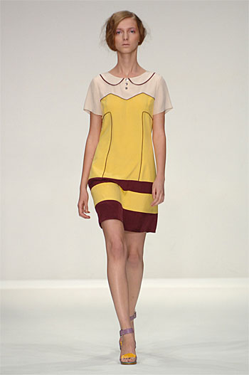 Spring Summer 09 - Catwalk 1