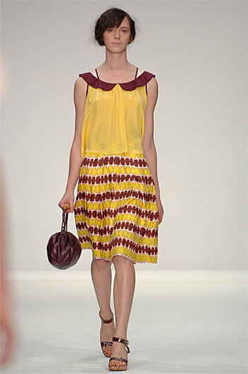 Spring Summer 09 - Catwalk 2