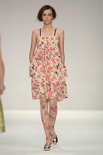 Spring Summer 09 - Catwalk 6