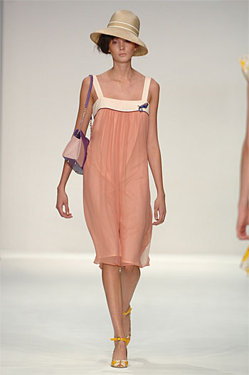 Spring Summer 09 - Catwalk 9