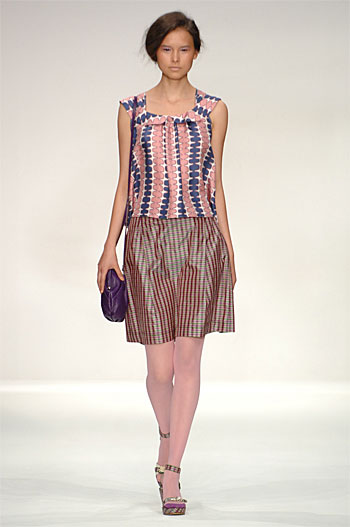 Spring Summer 09 - Catwalk 11