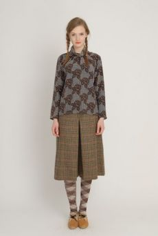 AW1213 TWEED & ROSES ABIGAIL'S BLOUSE - DAMSON - Other Image